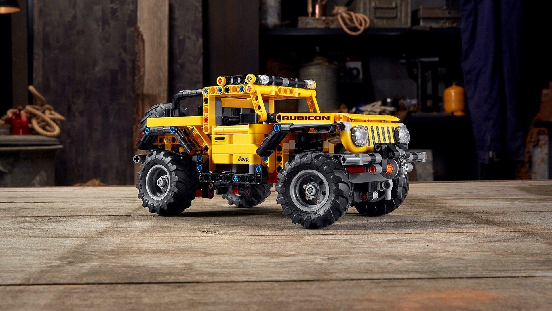 LEGO Technic Jeep Wrangler (1)