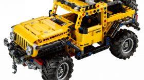 LEGO Technic Jeep Wrangler (4)
