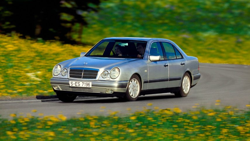 Coche del día: Mercedes-Benz E 300 TD (W210)