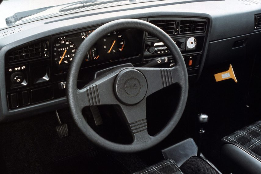 Opel Ascona SR CC C1