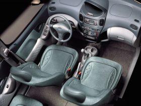 Toyota Yaris XP10 1999 6