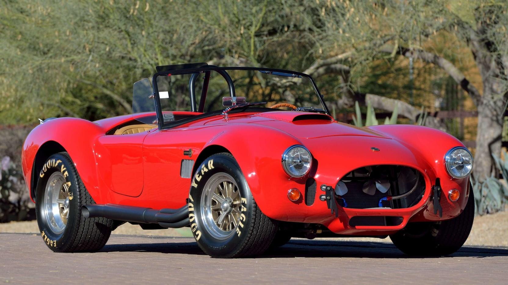 El Shelby 427 Cobra FAM es el deportivo estadounidense que se ríe de los Ferrari