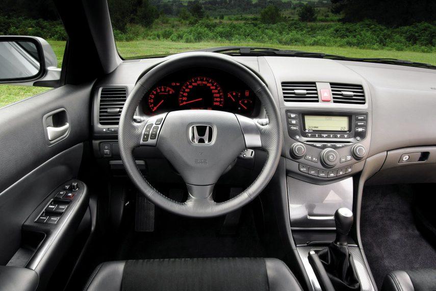 Honda Accord interior CL7 2003 1
