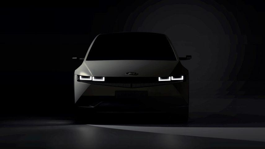 El Hyundai IONIQ 5 se muestra tímidamente antes de su presentación