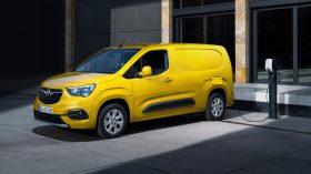 Opel Combo e Cargo 2021 (5)