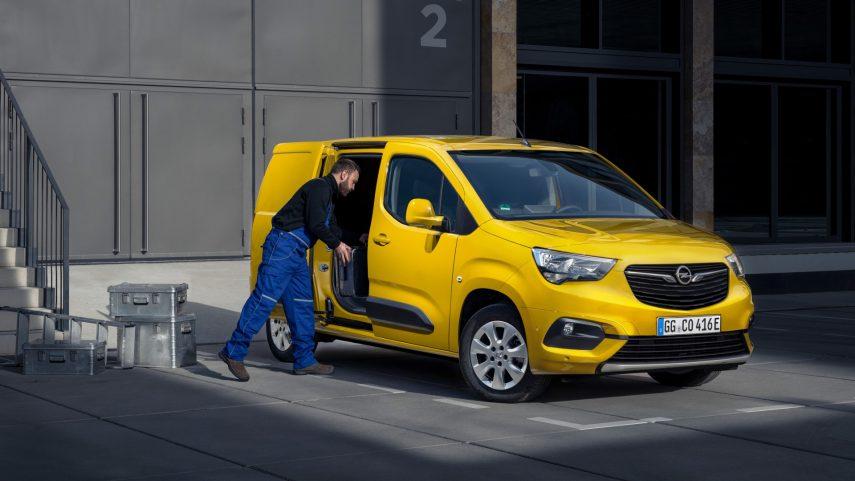 Opel Combo e Cargo 2021 (6)