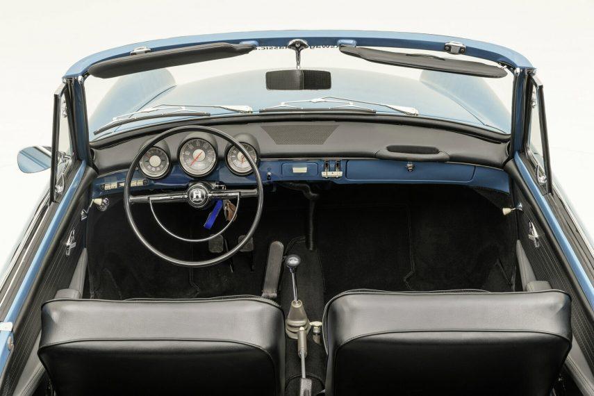 Volkswagen 1500 Cabriolet interior
