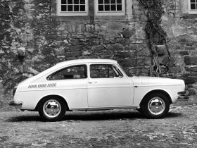 Volkswagen 1600 Fastback 2