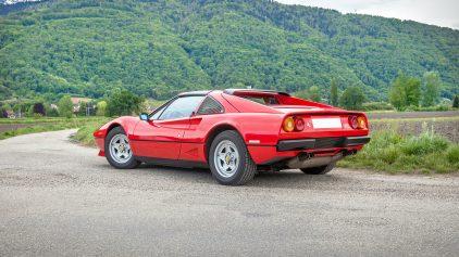 Ferrari 208 GTS Turbo 2