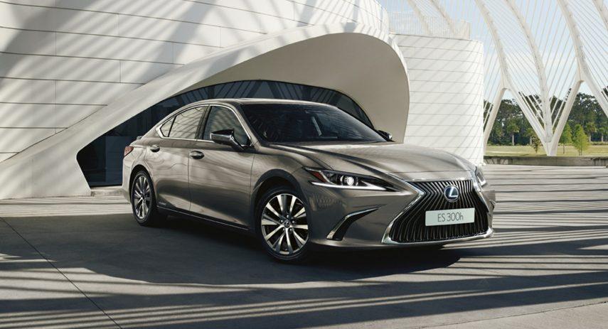 Lexus ES 300h 2021 (1)