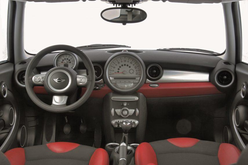 MINI Cooper R56 2006 4