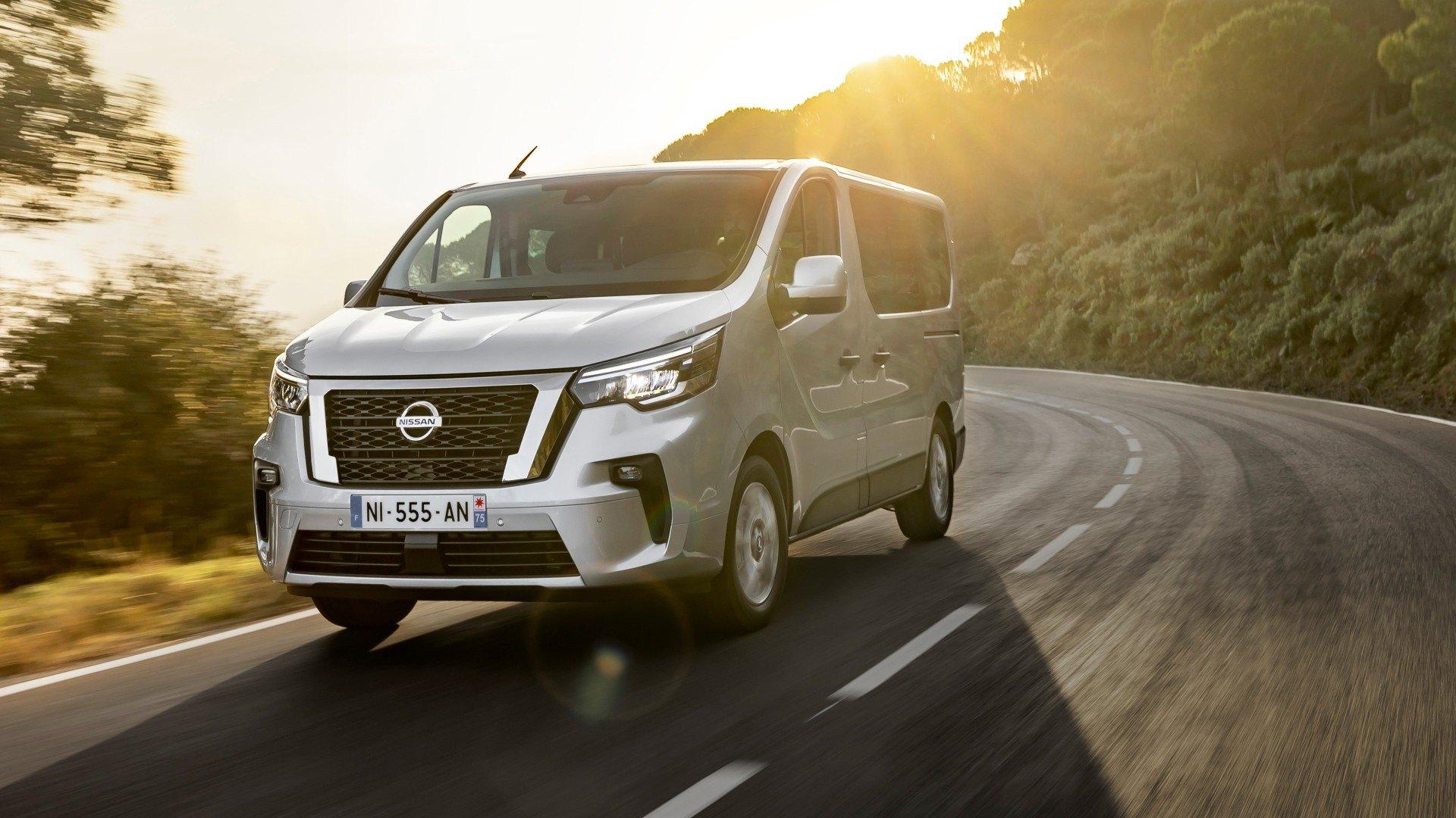 Nissan NV300 Combi 2021, la parienta de la Renault Trafic se actualiza