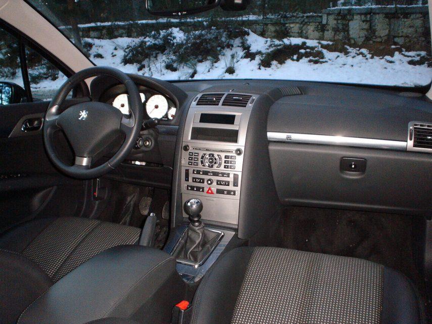 Peugeot 407 chatarra 3