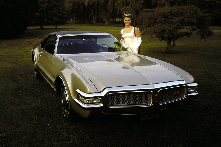 1968 Oldsmobile Toronado 1