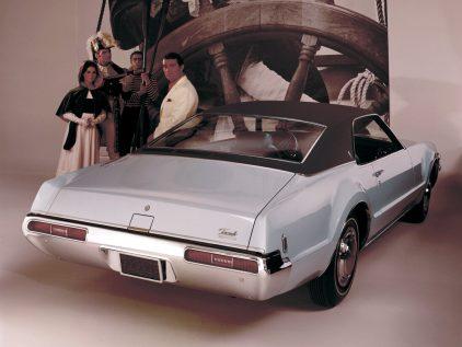 1969 Oldsmobile Toronado 3