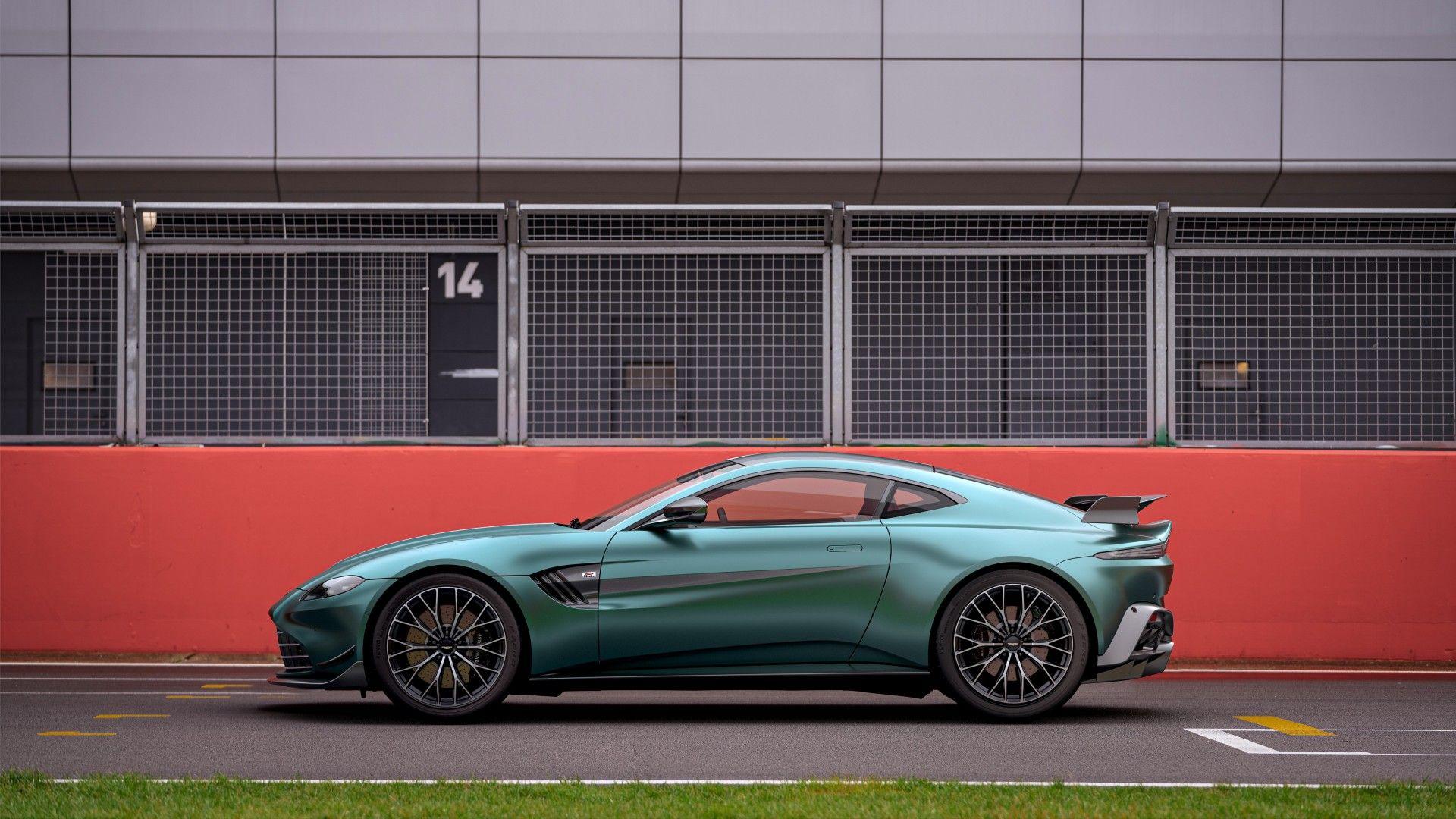 Aston Martin Vantage F1 Edition (6)