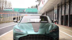Aston Martin Vantage F1 Edition (8)