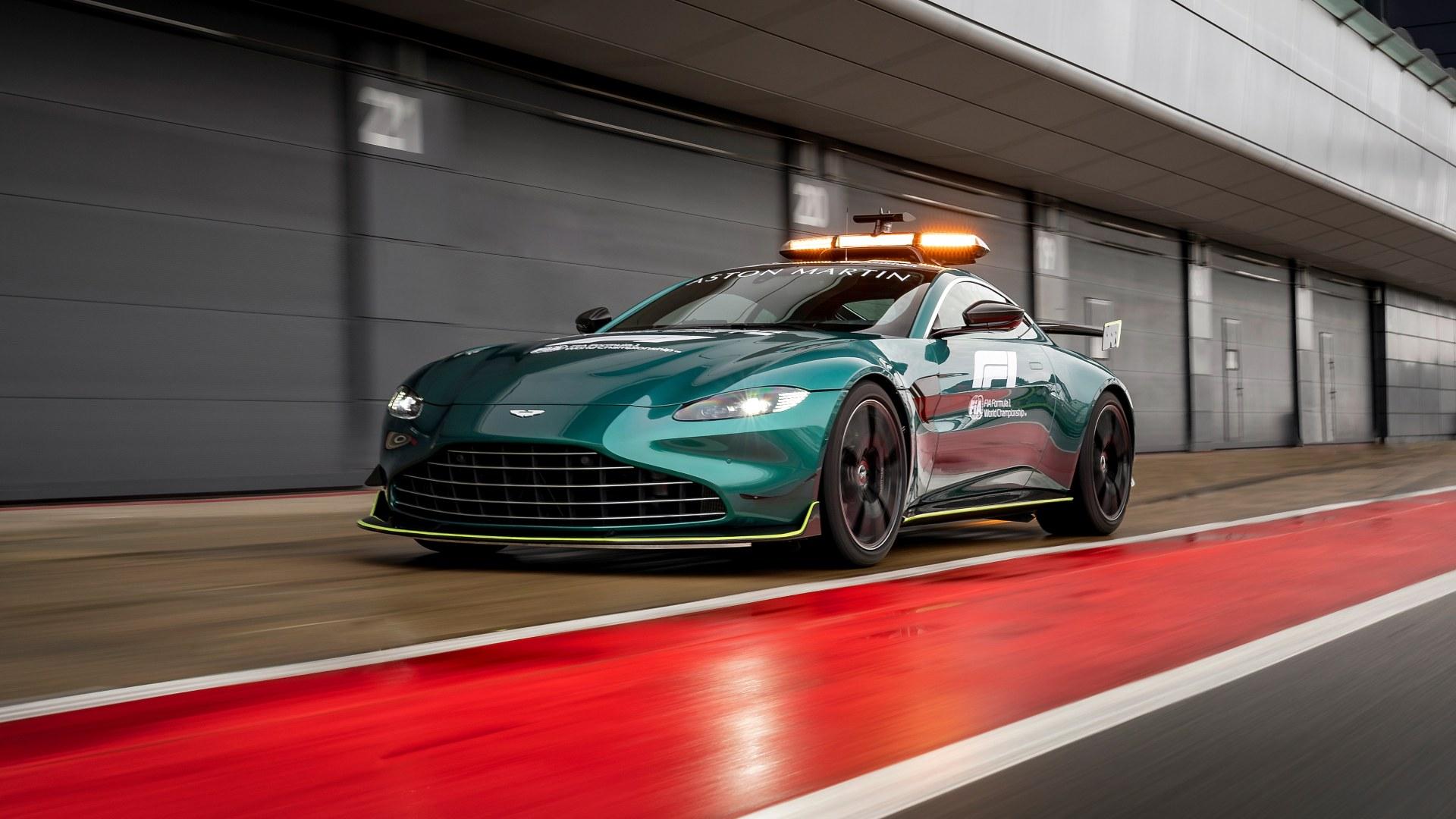 Aston Martin VantageOfficial Safety Car of Formula One01