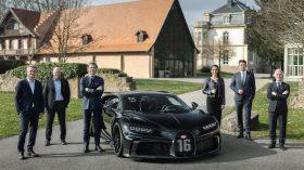 Bugatti Chiron Black Pur Sport 300 (1)