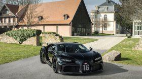 Bugatti Chiron Black Pur Sport 300 (2)