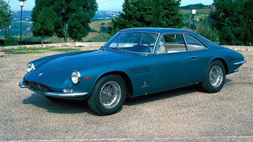 Coche del día: Ferrari 500 Superfast