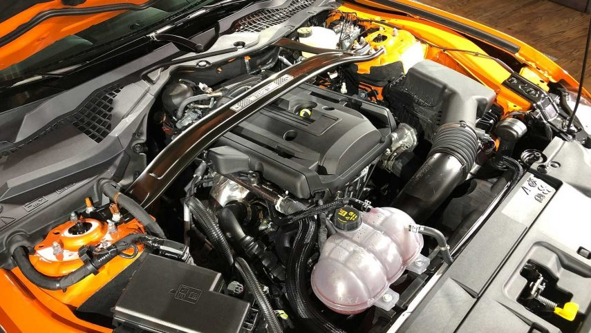 Ford Mustang 2 3 EcoBoost (2)