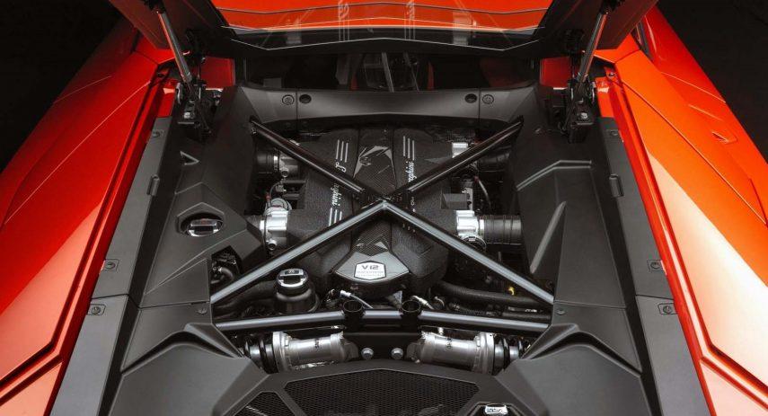 Lamborghini Aventador Motor V12 (1)