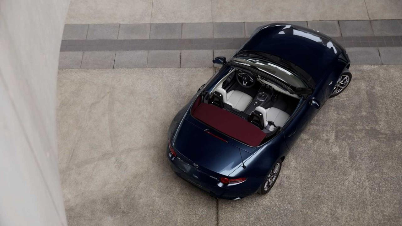 Mazda MX-5 Blue&Red Edition, un nuevo acabado para el roadster nipón