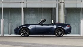 Mazda MX 5 Blue&Red Edition (2)