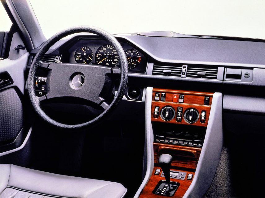 Mercedes Benz 320 CE C124