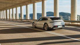 Porsche Taycan Cross Turismo 2021 (11)