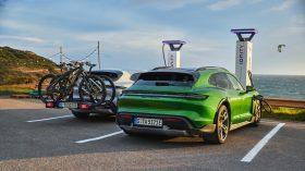 Porsche Taycan Cross Turismo 2021 (16)