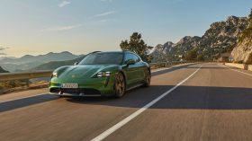 Porsche Taycan Cross Turismo 2021 (7)