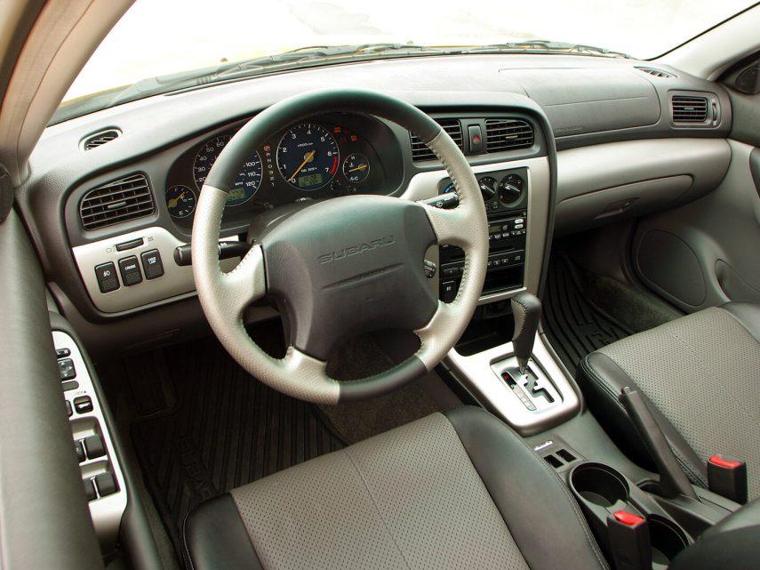 Subaru Baja americano 4