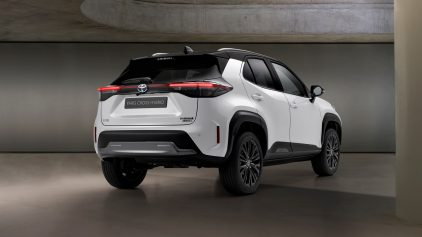 Toyota Yaris Cross Adventure 2021 (2)