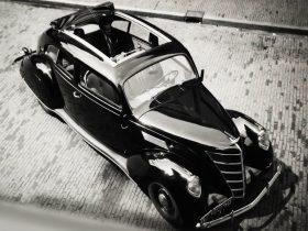 1937 Lincoln Zephyr Coupe Sedan