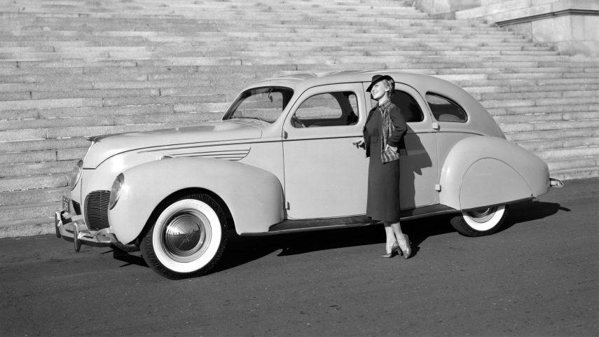 1938 Lincoln Zephyr Sedan