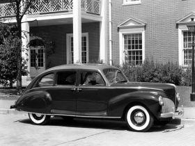 1941 Lincoln Zephyr Sedan