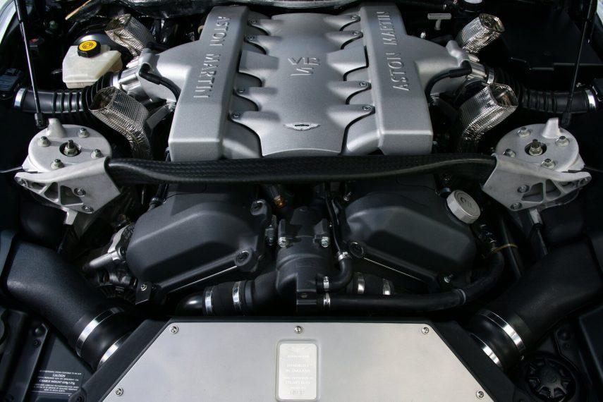Aston Martin V12 Vanquish S 2004 5