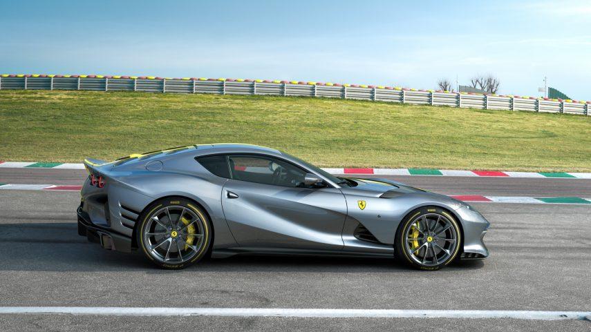 Ferrari 812 Superfast Version Speciale 2021 (4)