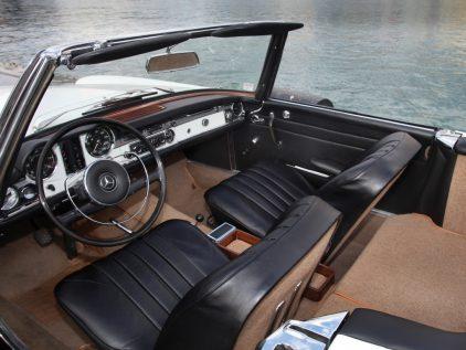 Mercedes Benz 230 SL W113 5