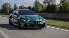 Alfa Romeo Giulia GTAm Montreal Green (1)