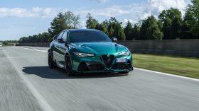 Alfa Romeo Giulia GTAm Montreal Green (3)
