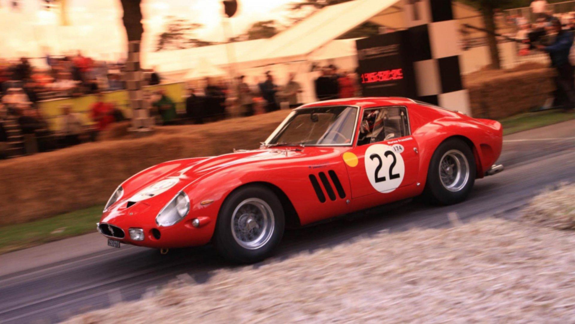 El Ferrari 250 GTO se enfrenta cara a cara al Maserati Tipo 151 en pista