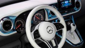 Mercedes Benz Concept EQT 2021 (14)