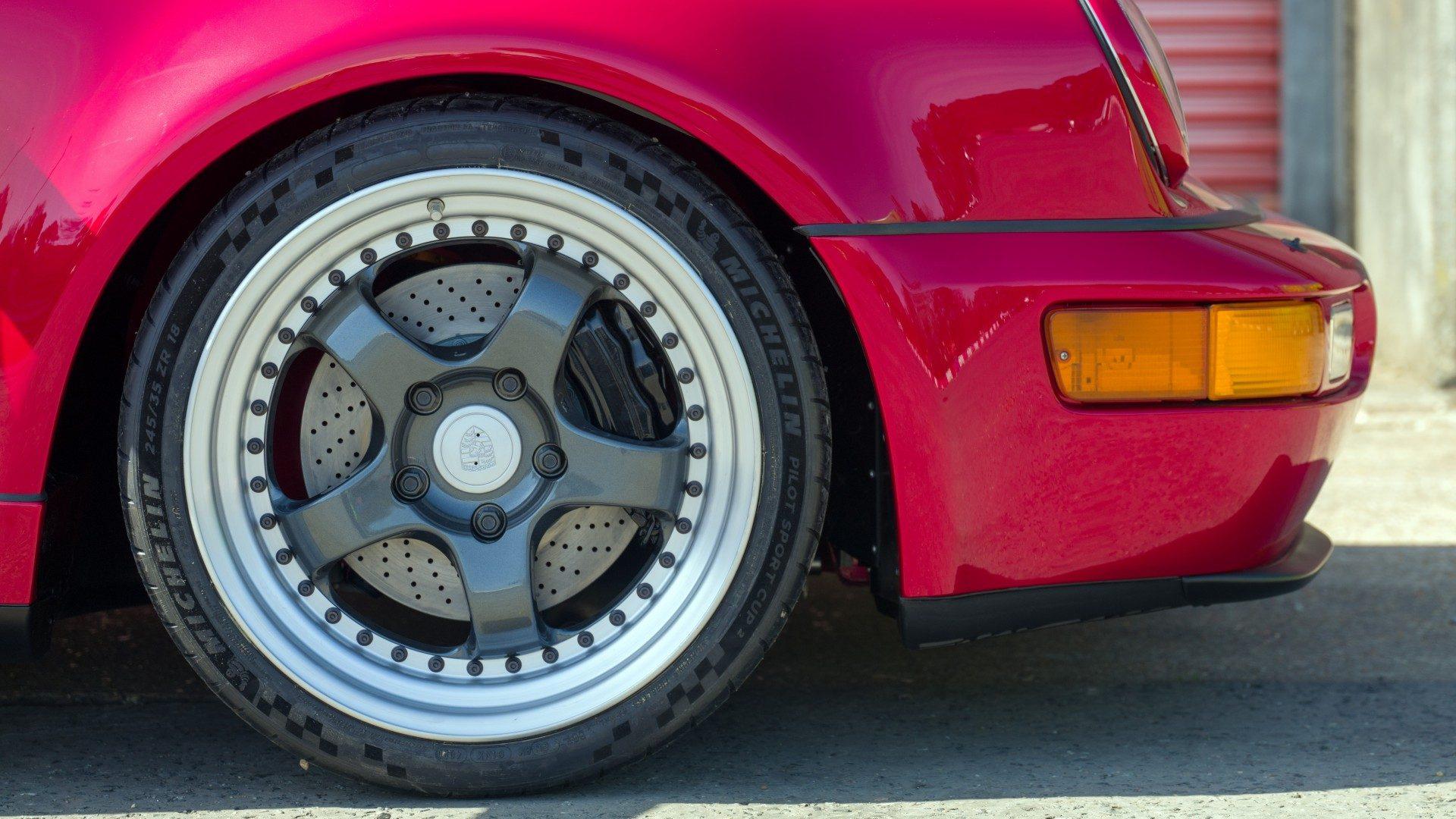 Porsche 911 (968) Everrati Restomod Electrico