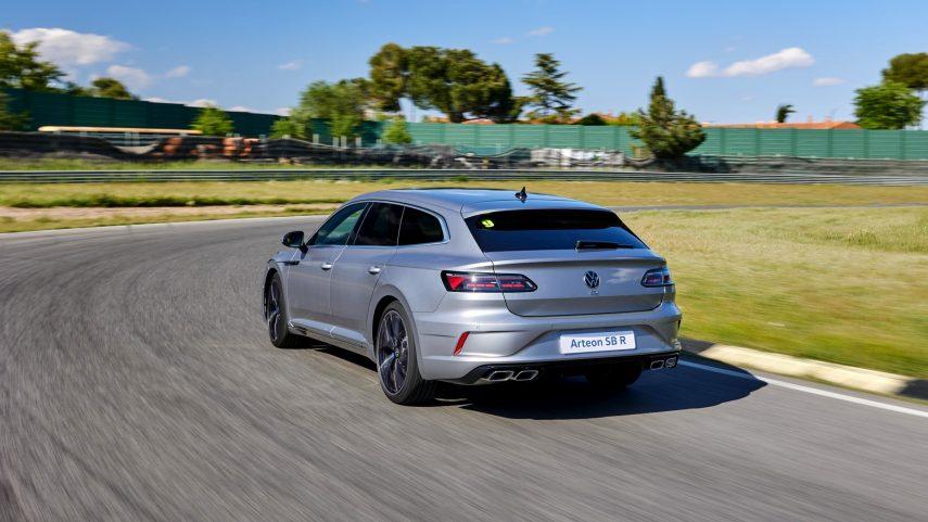 Volkswagen Arteon Shooting Brake R 2021 (3)
