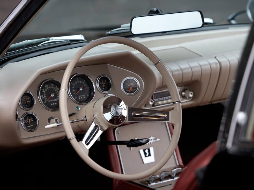 1963 Studebaker Avanti R2 interior