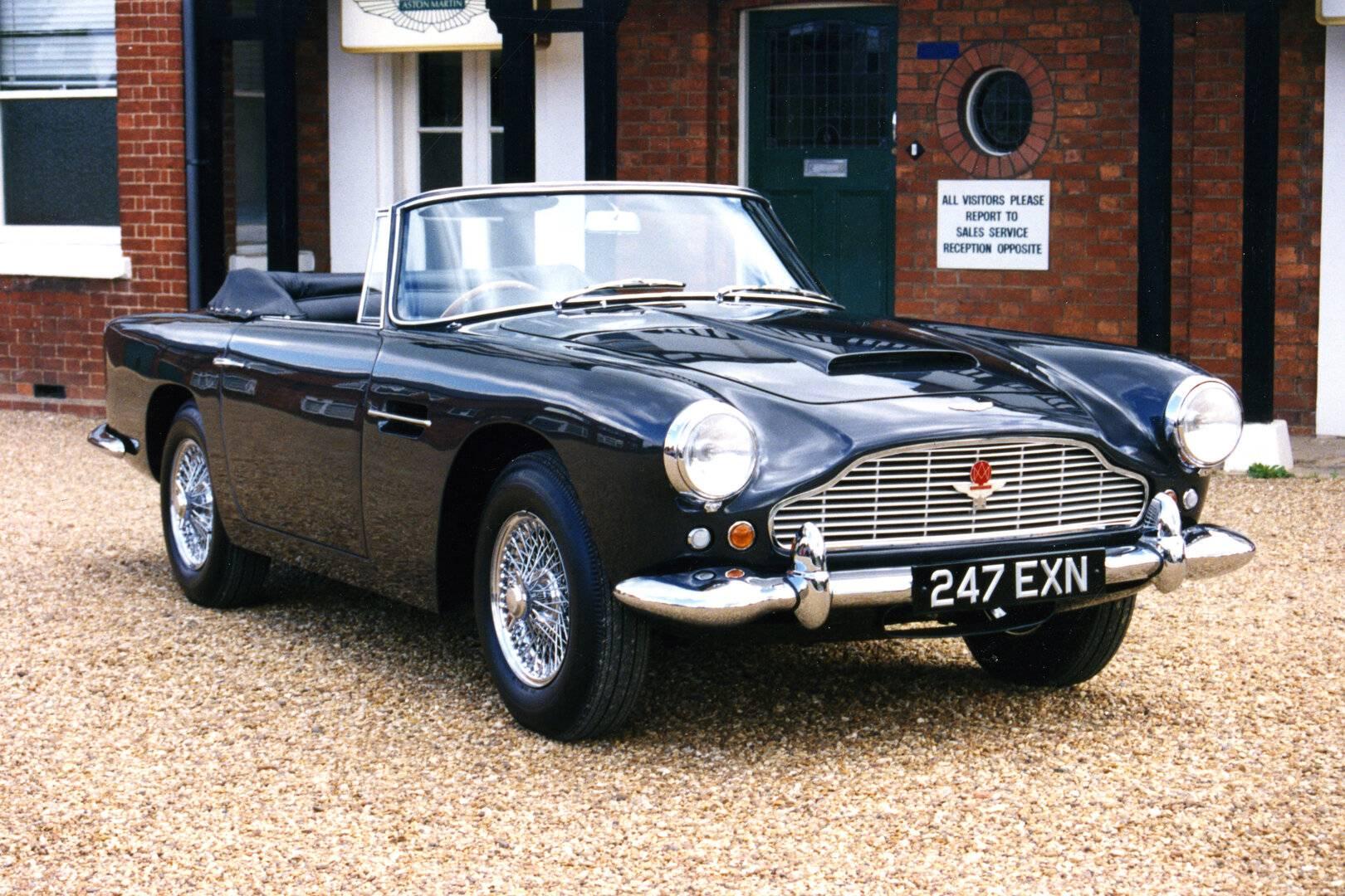 Coche del día: Aston Martin DB4 Convertible