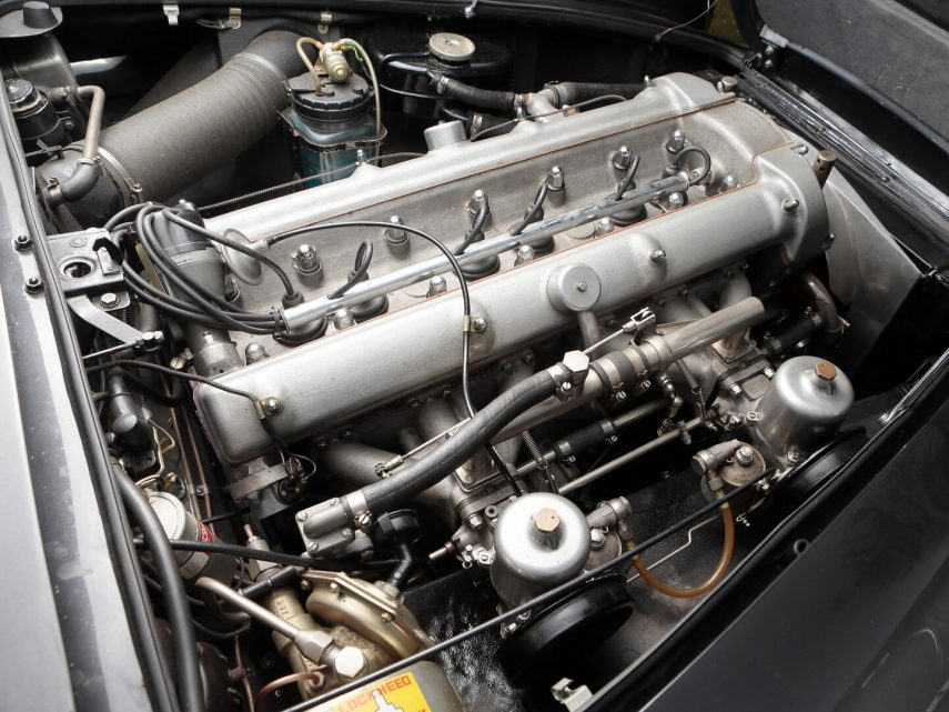 Aston Martin DB4 Convertible 4